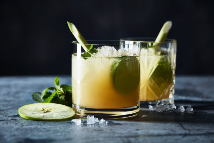 Alkoholfri äppelmojito med citrongräs.