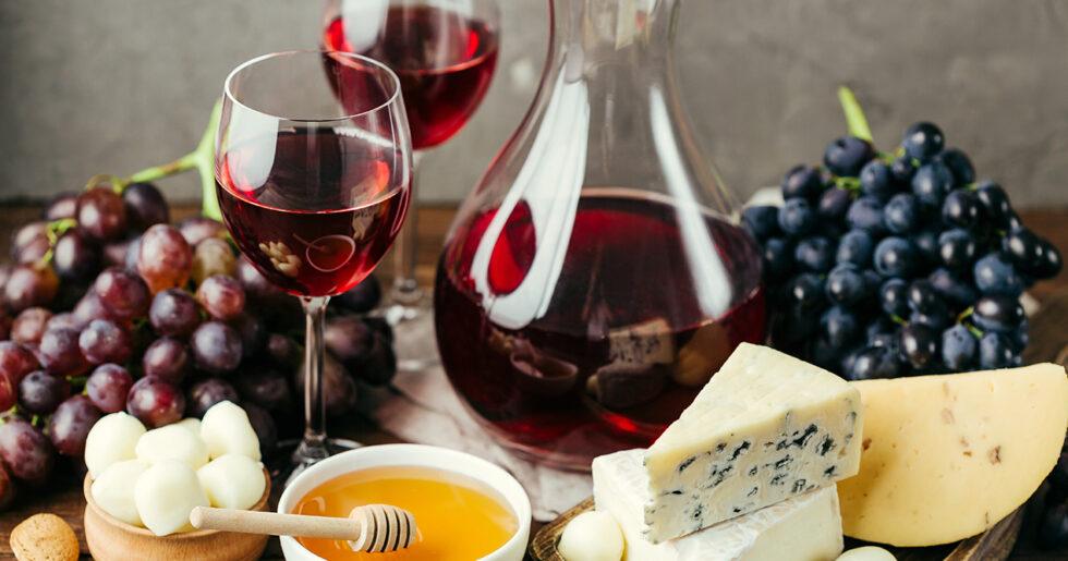 rödvin till ost