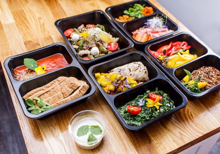 Tar du med matlåda eller köper du lunch ut? Foto: IBL