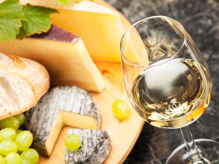 Ost och vin är en given kombination. Foto: Shutterstock