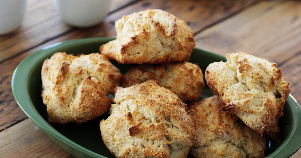 scones med smält smör