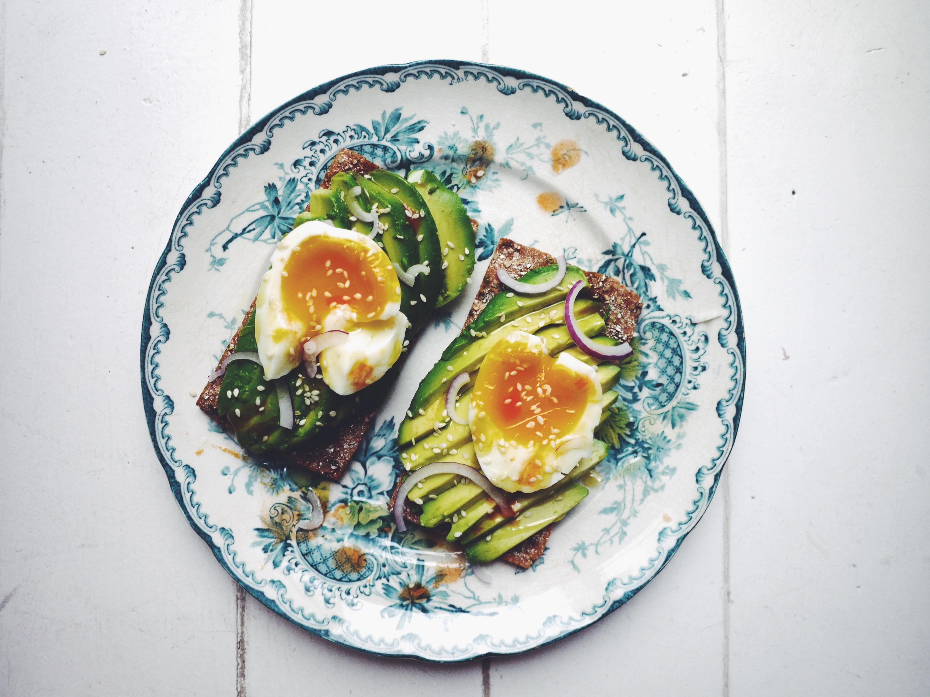 avokado ägg recept