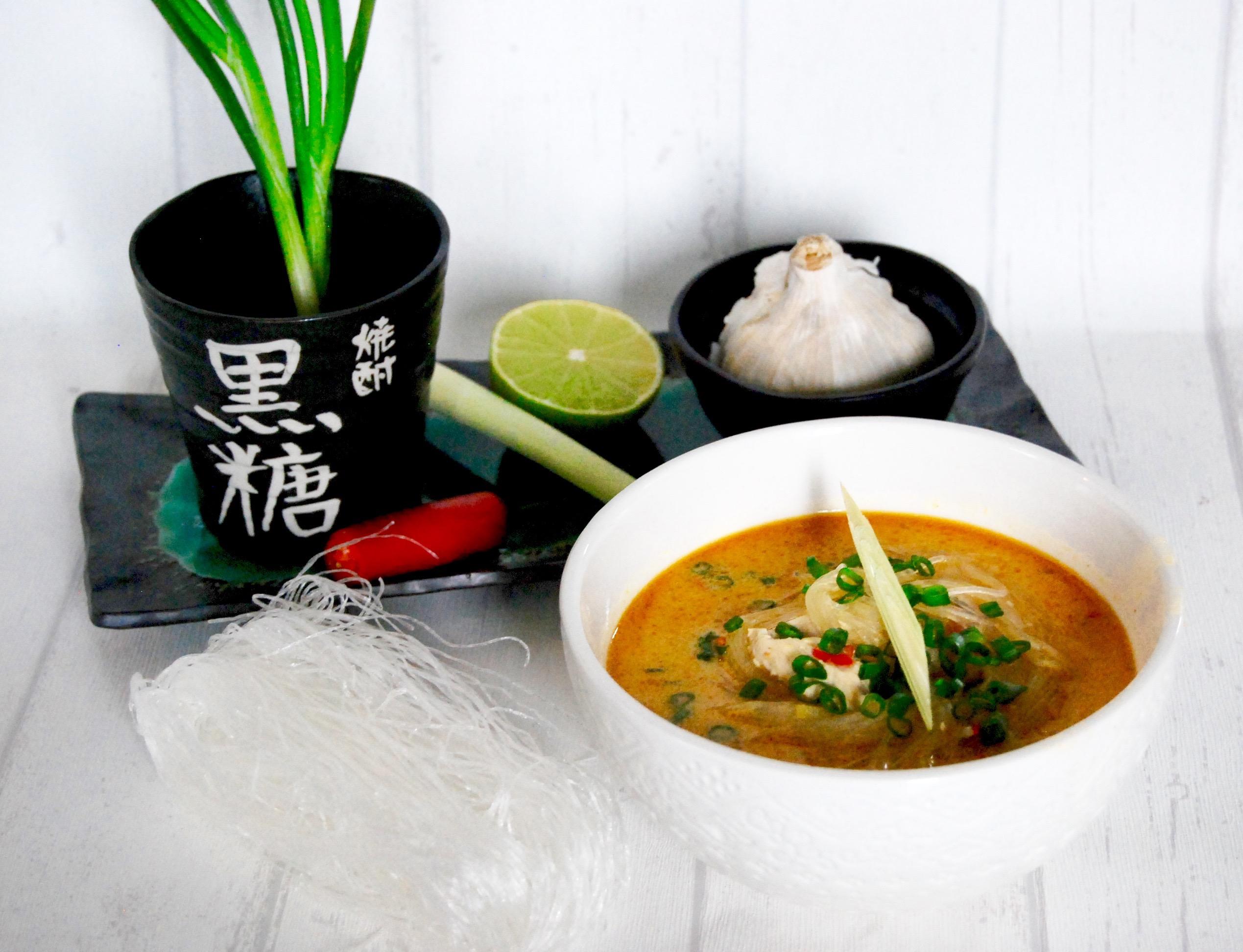 soppa med glasnudlar