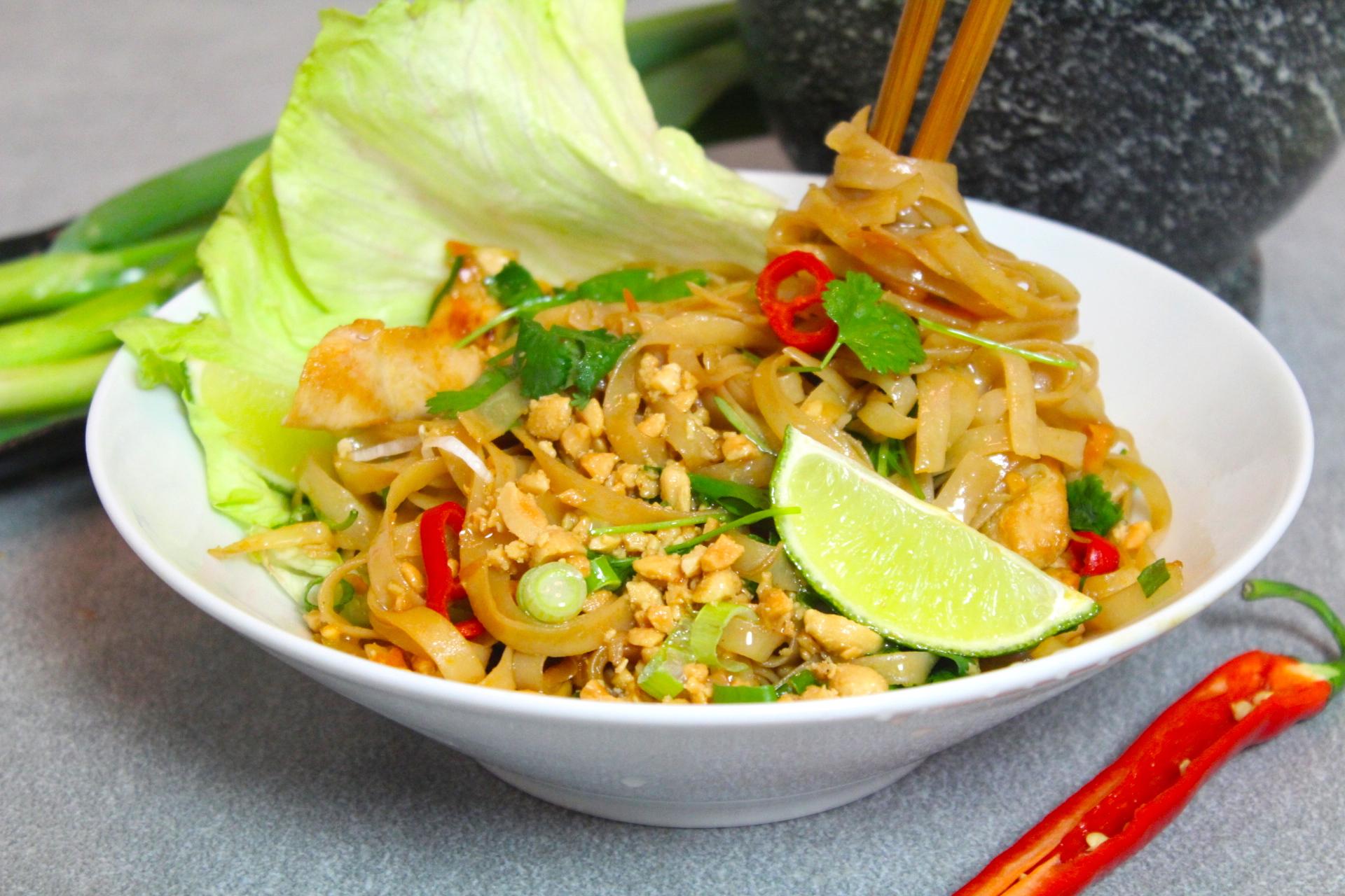 recept thai kyckling nudlar