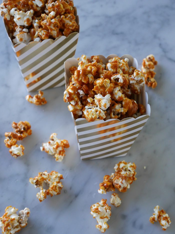karamelliserade popcorn recept