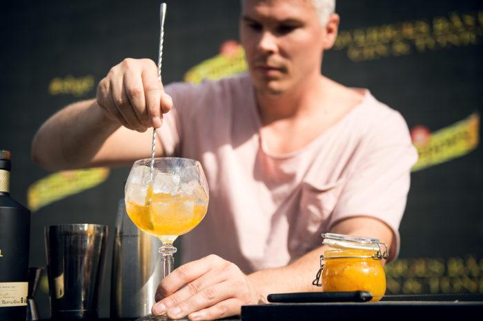 Christoffer Ek gör Sveriges bästa Gin & Tonic