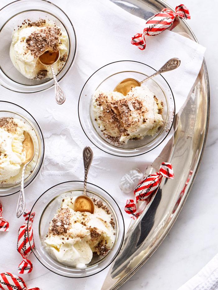 Vaniljglass med mintcrisp.